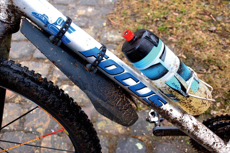trinkflasche-halterung-fahrrad-01