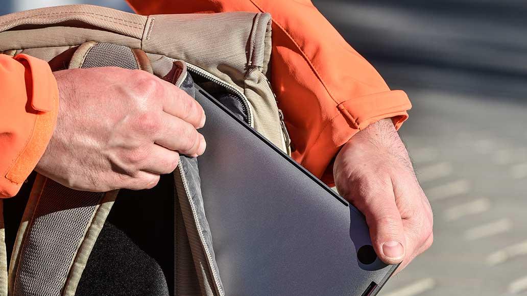 Extra Schutz: Der Laptop ist in einem gepolsterten Fach direkt am Rücken untergebracht.