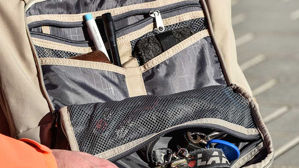 Ordnung muss sein! Im Thule-Rucksack finden viele Kleinigkeiten einen festen Platz.