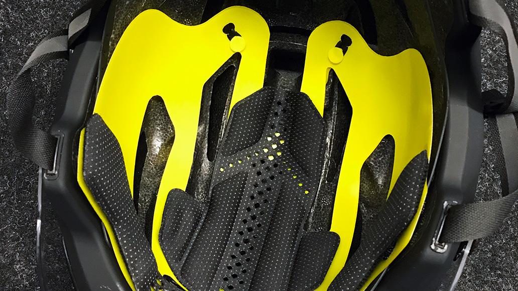 Mehr Sicherheit dank MIPS-Technologie, gut erkennbar am knalligen Gelb.