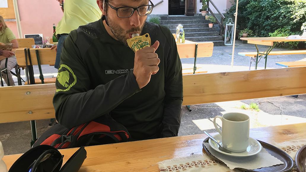 Endlich Sport: Pause mit Trailbutter und Kaffee am Echterspfahl